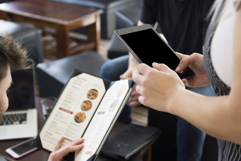 Lợi ích từ sử dụng phần mềm quản lý nhà hàng