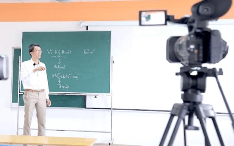 dạy trực tuyến